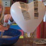 Groot hart van papier mache