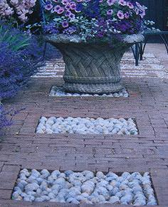 Tuinieren met o a kiezelstenen - Aangelegde tuin met kiezelstenen ...