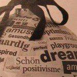 Kerstbal recyclen met krantenpapier