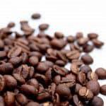Koffie met kaneel en decoratie maken