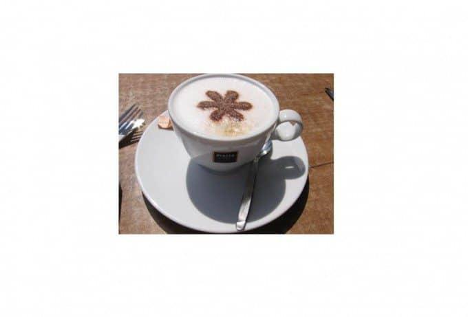 Cappuccino cacao figuren maken met sjabloon