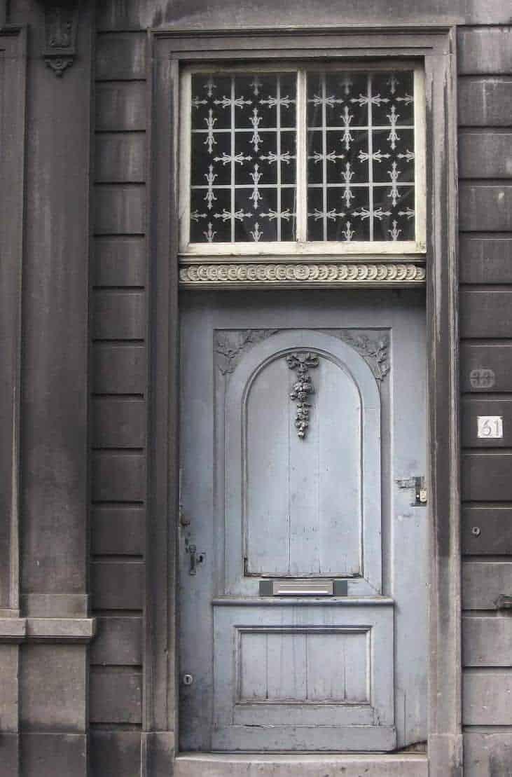 Oude deuren vertellen een verhaal