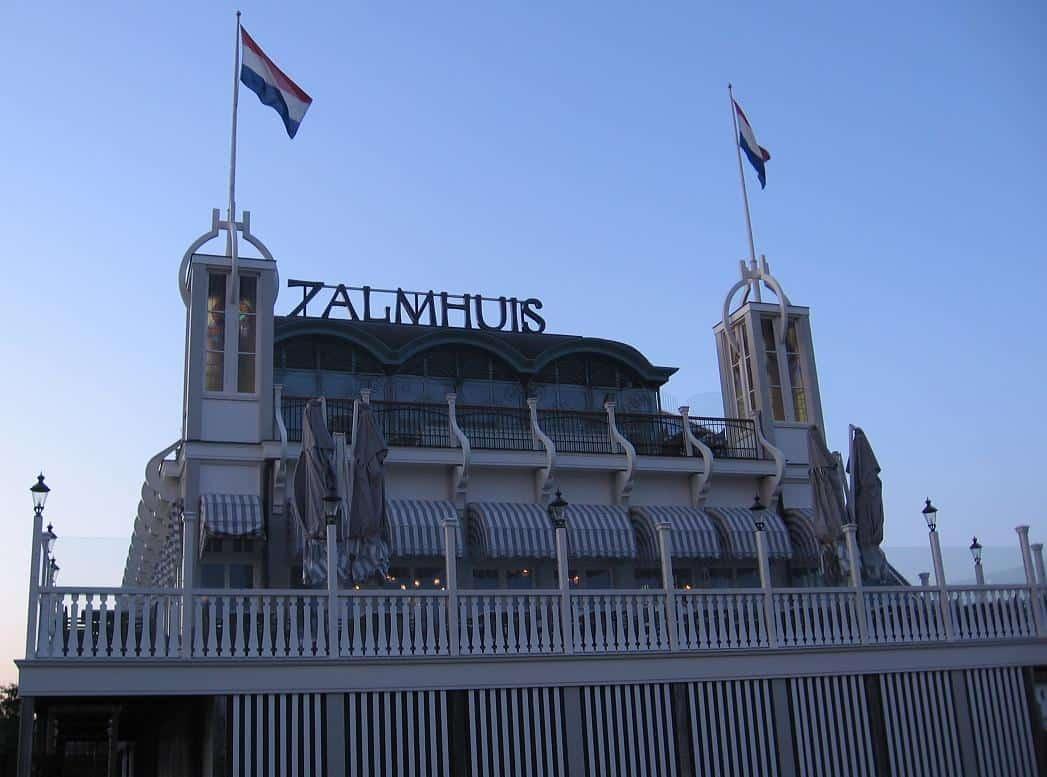 Brasserie op uniek plekje in rotterdam for Zalmhuis rotterdam