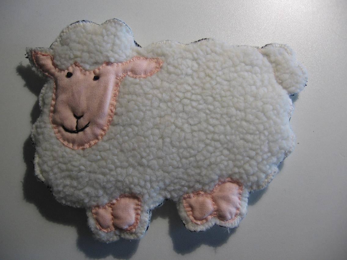 Patroon knuffel schaapje naaien en borduren