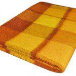 Oude wollen deken nieuw leven geven