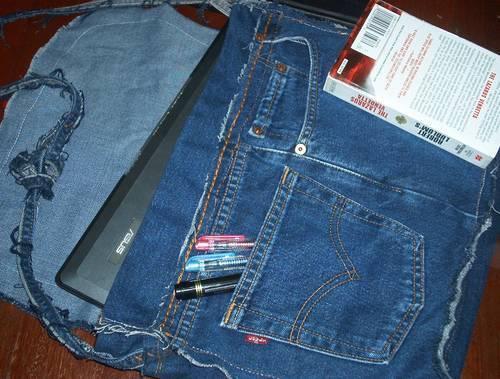 Laptoptas maken uit een spijkerbroek