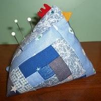 Kip speldenkussen quilten met gratis patroon