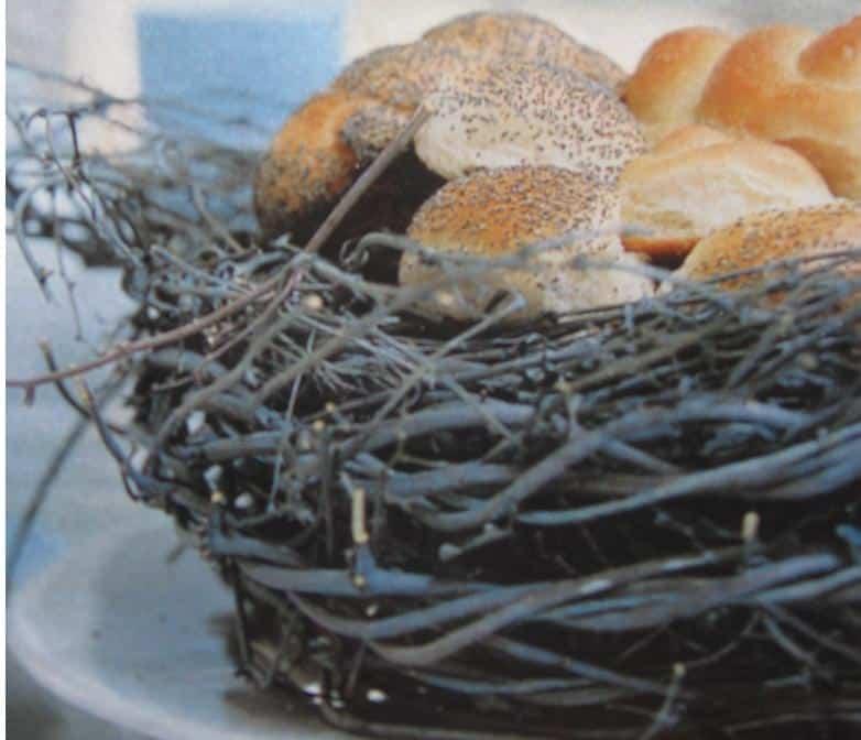 Paasbrood in origineel broodmandje