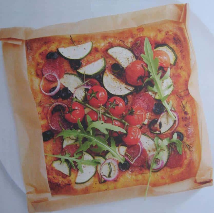 Bakken zonder pizzavorm en taartvorm for Pizza bakken op tafel