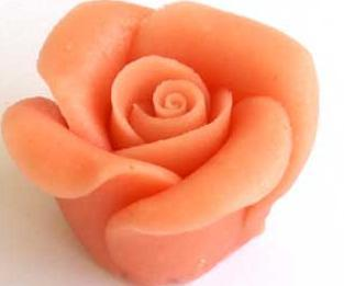 Roos of rozen van marsepein maken doe je zo