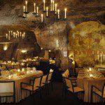 Uit eten in een grot