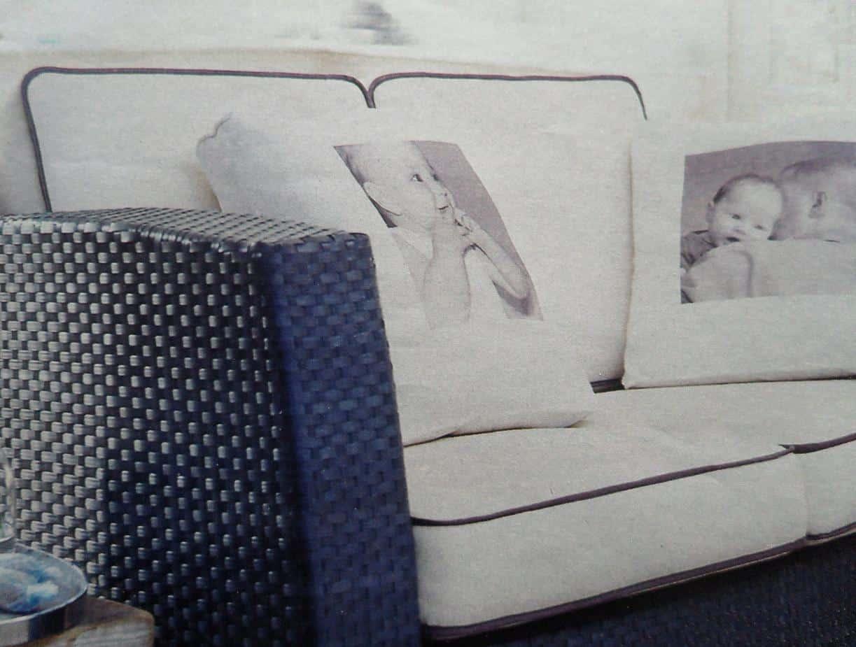 Op de loungeset persoonlijke kussens