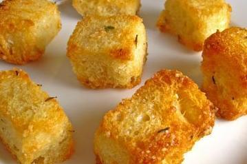 Soep pimpen met zelfgemaakte croutons / BRON: closetcooking.com