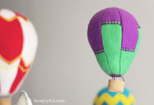 Luchtballonnen knutselen met vilt of papier en gratis for Decoratie knutselen