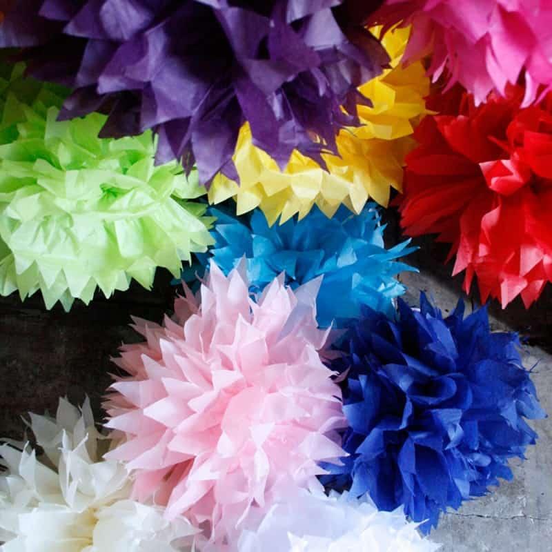 Hoe pompon, pompom, van papieren servet of zakdoek maken