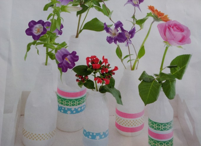 decoratie vaasjes geverfde plastic flesjes