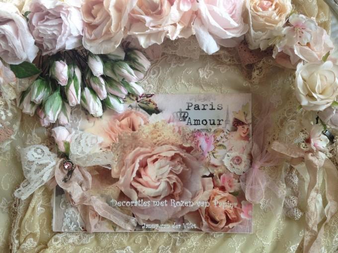 boekje bestellen decoraties  met rozen van papier