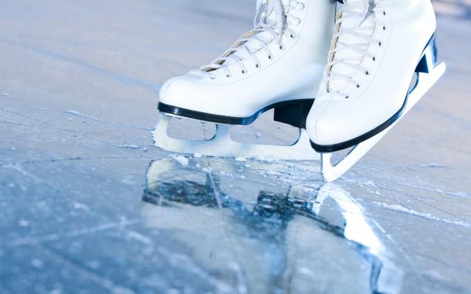 galleryhip.com/ice-skating-wallpaper