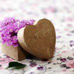 Doosje vouwen in hart vorm met vouwblad