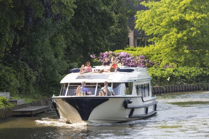 Le BoatBelgium June 2013Leie Canal