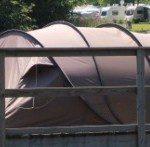 Kampeervaren is kamperen op het water