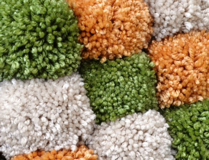 pompom bolletje wol maken met twee kartonnetjes