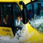 Bus varen en rijden in Rotterdam