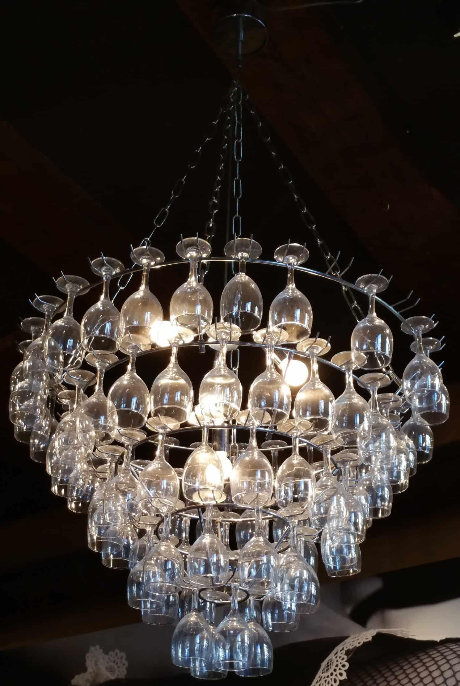 New Hanglamp maken van gebruikte wijnglazen - Hobby.blogo.nl #FM96