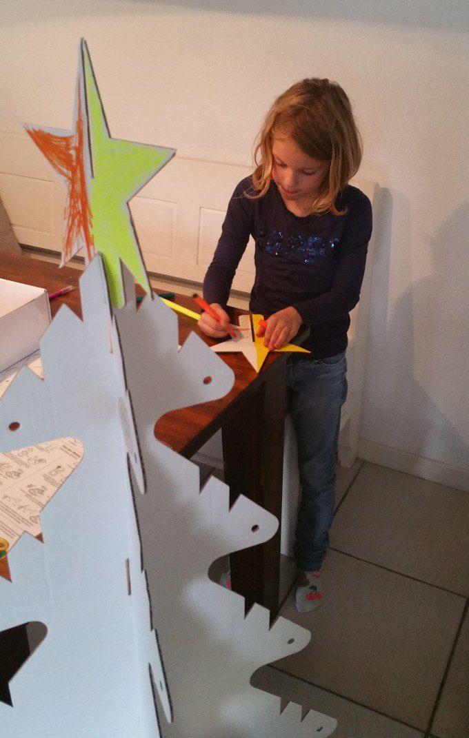 karton kerstboom versieren 4
