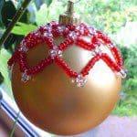 Kerstballen oud een nieuwe look geven
