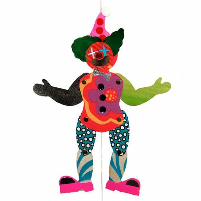 trekpop maken met restjes behang en stof. Bron: yourssustainably.com